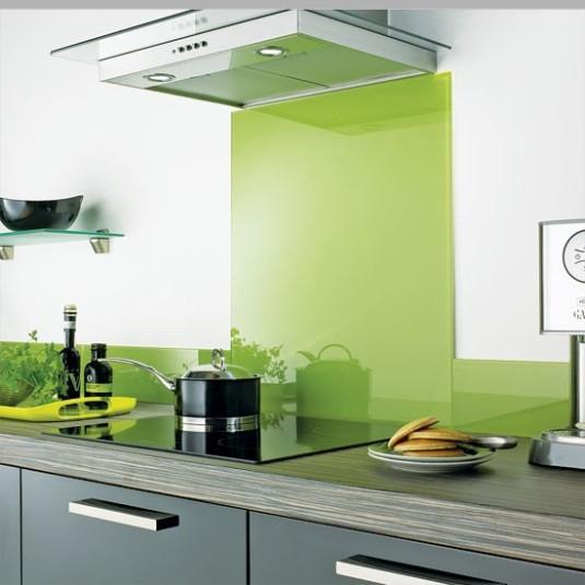 Fenng shui - shiney kitchen splashback